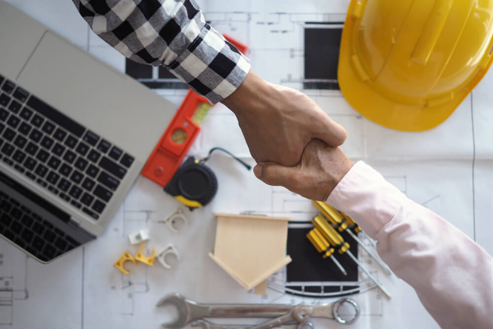 General contractor what is a restoration contractor